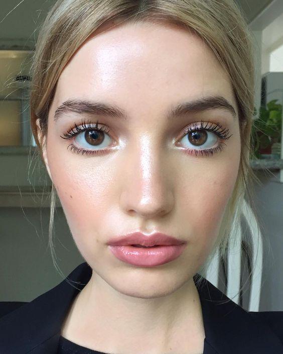 Большие глаза с помощью макияжа