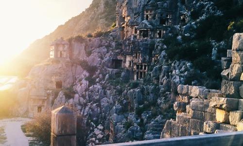 Тур по місцях Святого Миколая: куди поїхати мандрівникові