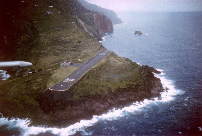 4 найбільш небезпечних аеропорту в світі: аеропорт Хуанчо, Саба