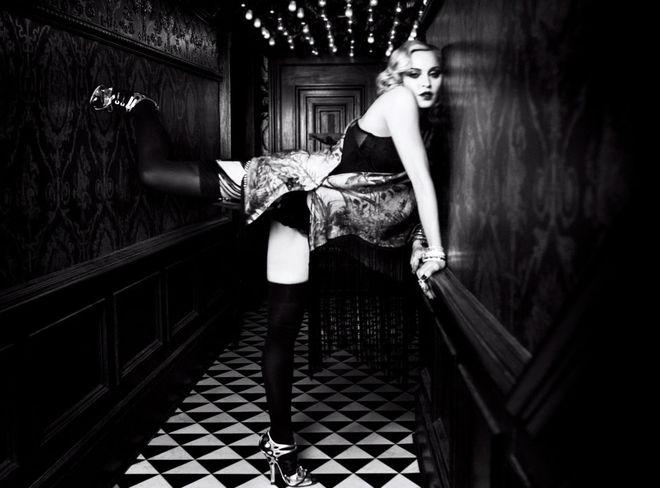 Учитесь дети: Мадонна снялась в откровенной фотосессии для глянцевого журнала