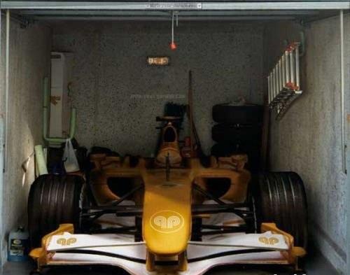 Крутые наклейки на гараж