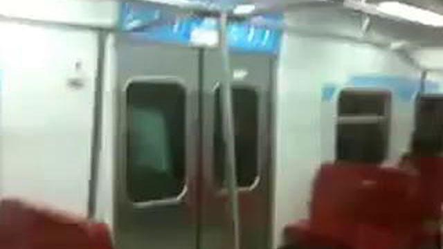 Утро в метро гифка
