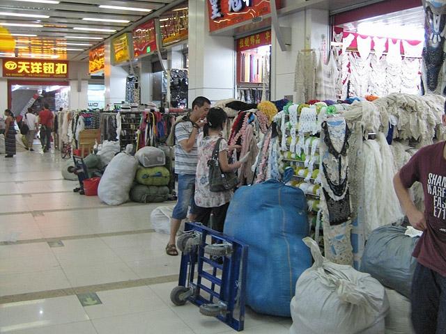 Куда туристу ехать за подделками: рынок Белая лошадь, Гуанчжоу, Китай