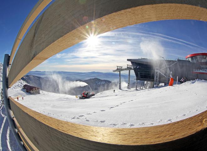 Куди поїхати взимку в Україні: 5 крутих локацій для гірськолижного відпочинку