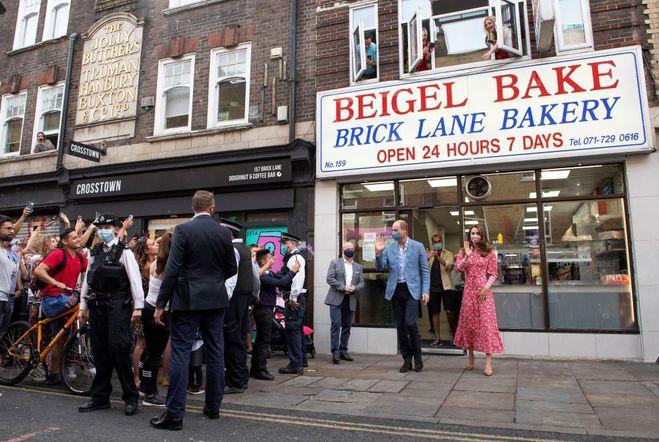 Кейт Миддлтон и принц Уильям в Bagel Bake