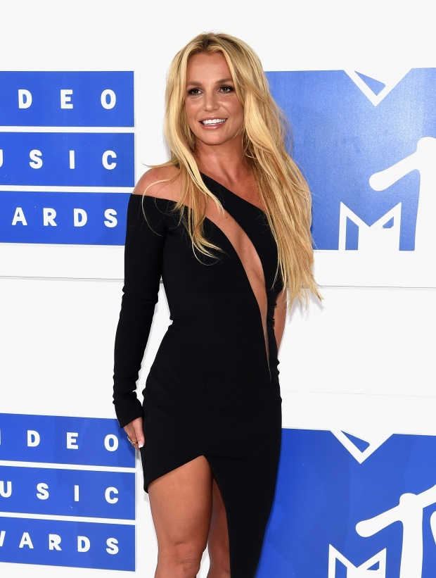 MTV Video Music Awards 2016: кращі б'юті-образи