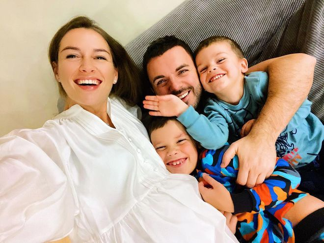 Григорий и Кристина Решетник с сыновьями