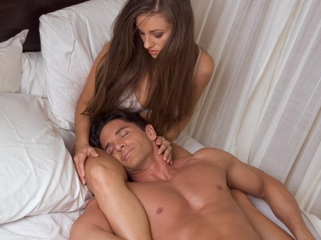 paren-posle-seksa-srazu-zasipaet