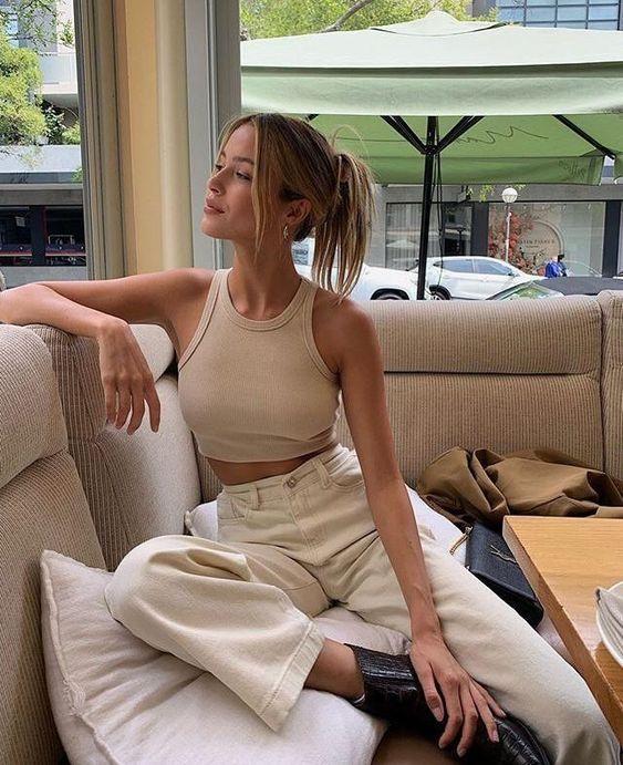 Майка в рубчик — модный тренд 2021