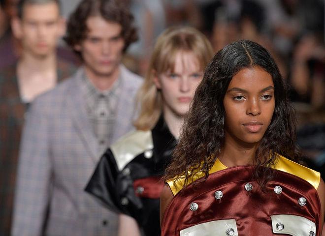 Calvin Klein обвиняют в плагиате