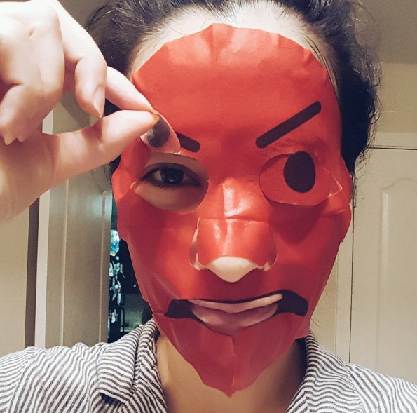 эмодзи маска для лица