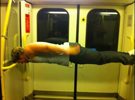 Кого можно увидеть в метро