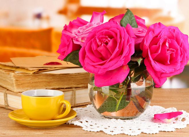 Как сохранить дольше свежими розы
