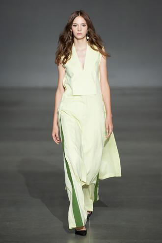 Показ Elena Burenina на Ukrainian Fashion Week noseason sept 2021