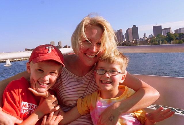 Мандрівники з дітьми: motherofalltrips.com