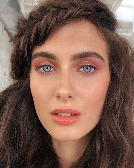 Монохромний макіяж: тренд 2020