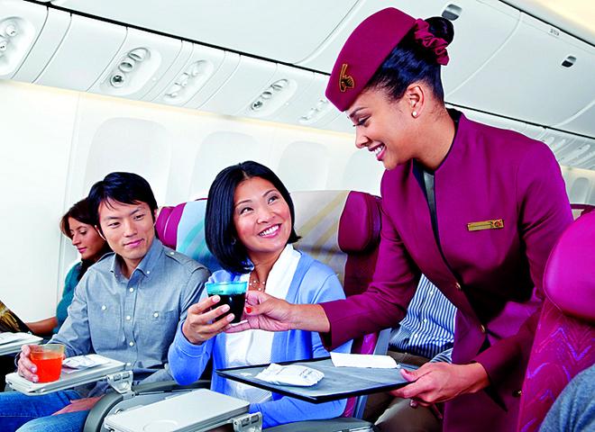 Авіакомпанії, які щедро наливають у польоті: Qatar Airways