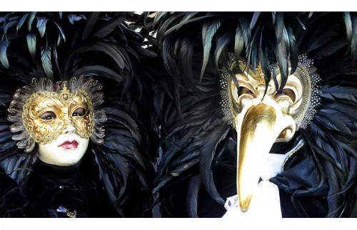 Венецианский карнавал 2010: маски и полет ангела