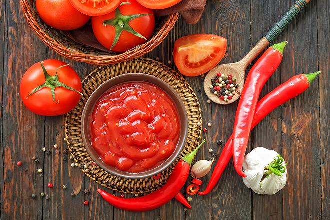 Кетчуп з помідор на зиму: домашній смак