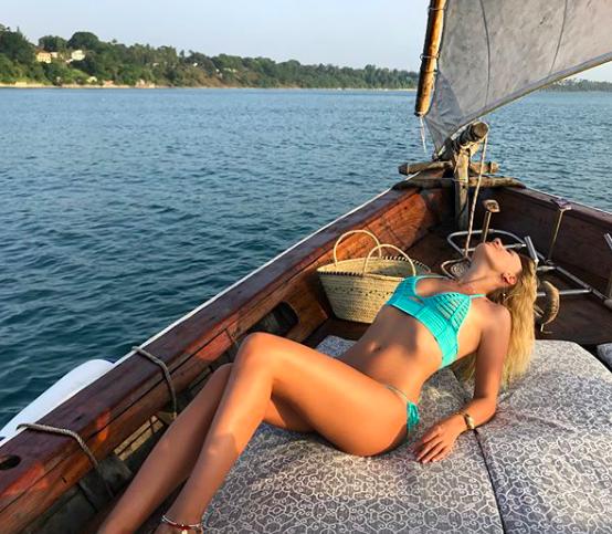 Леся Нікітюк у купальнику