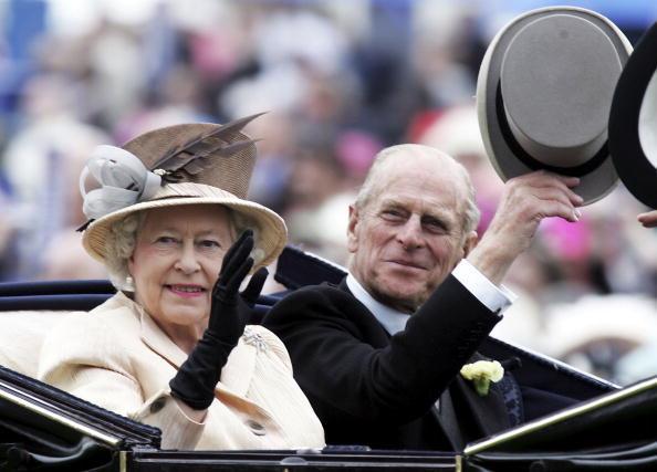 Елизавета II и принц Филипп (Cover)