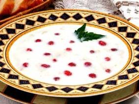 Суп молочный с земляникой и овсяными хлопьями