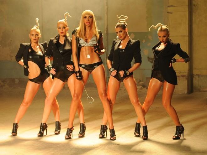 Как любят кавказцев, русские девушки!