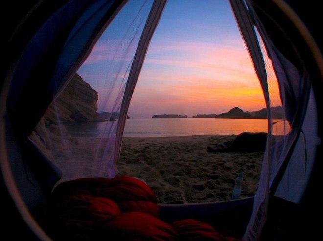 Дивовижні ранкові пейзажі з намету