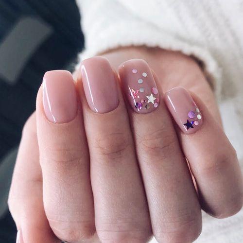 Манікюр на короткі нігті Новий рік 2019