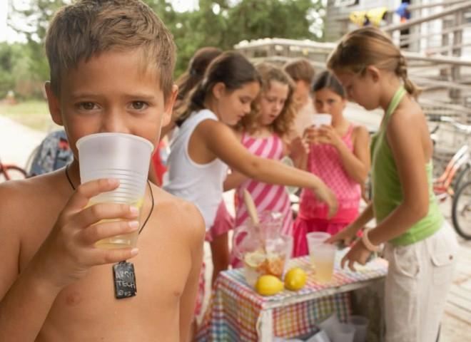 Напої для дітей обирай ретельно!