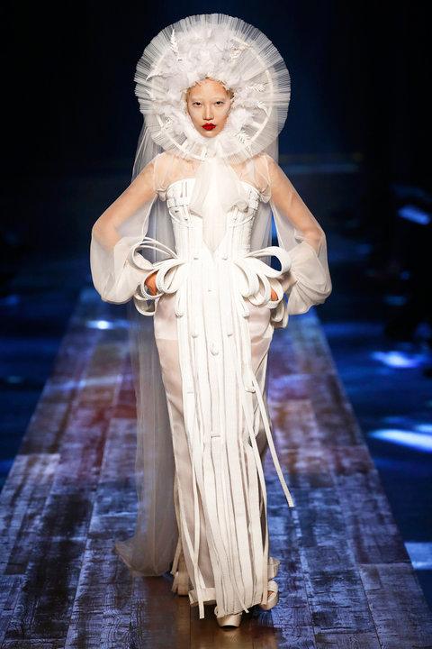Свадебное платье на осень-зиму 2016/2017 JEAN PAUL GAULTIER