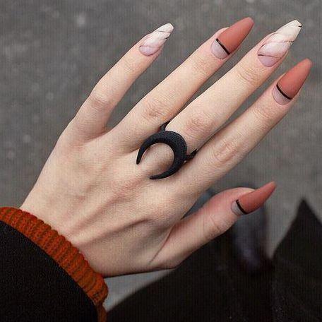 Манікюр на останній дзвоник: 20 ідей на будь-яку форму нігтів