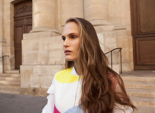 Топ-модель Алла Костромичева снялась в street-style в коллекции Nadya Dzyak