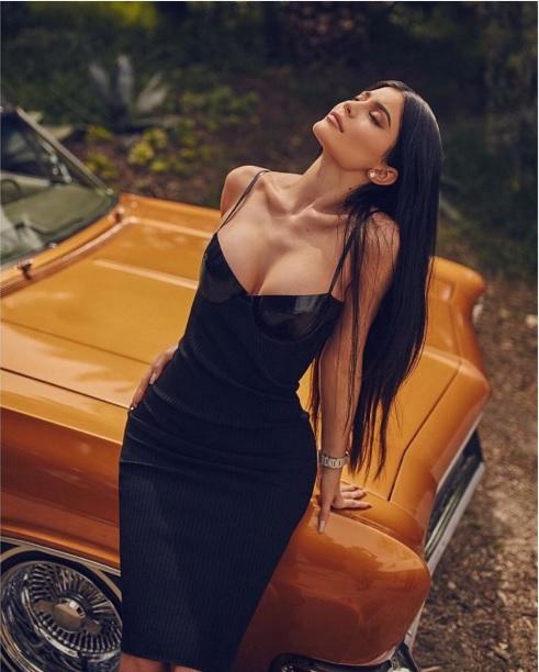 Новая модная коллекция от сестёр Дженнер