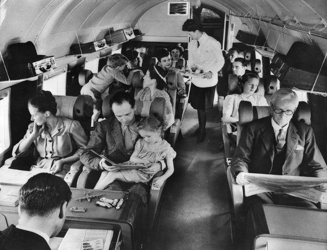 Як поводитися в літаку: поради для тих, хто боїться літати