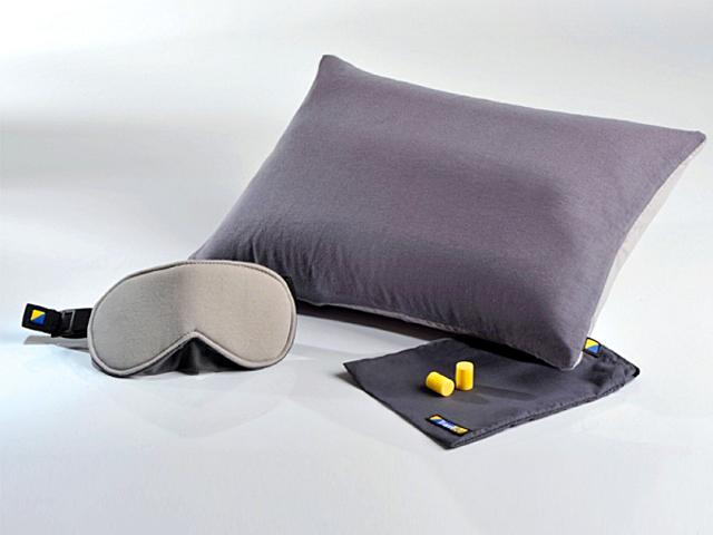 Подарунки мандрівникам. Подушка + окуляри для сну + беруші