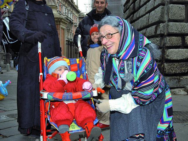 Дед Мороз и его коллеги: La befana, фото