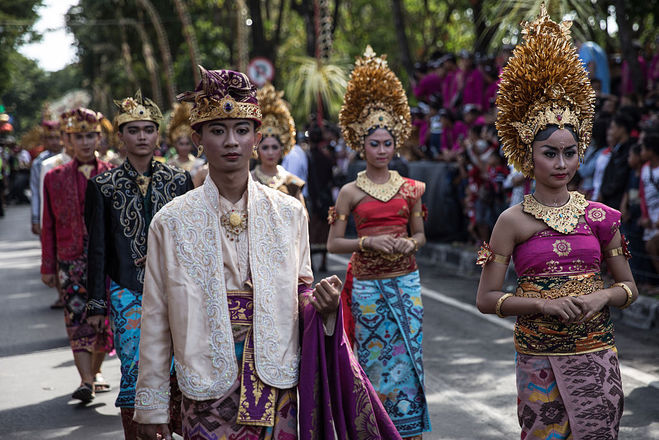 Традиційне весільне вбрання на Балі