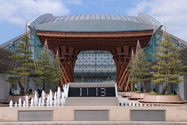 Самые необычне фонтаны: Фонтан-часы, Каназава