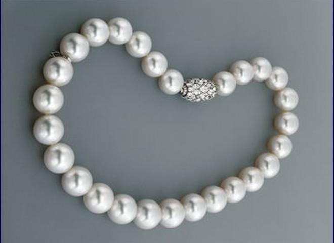 Компания Mikimoto представила  жемчужное ожерелье за $1 млн.