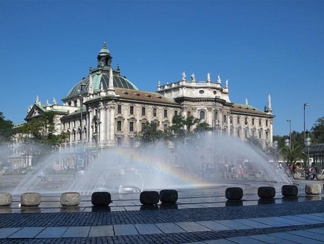 Karlsplatz