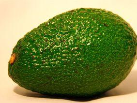 Авокадо с крабовыми палочками
