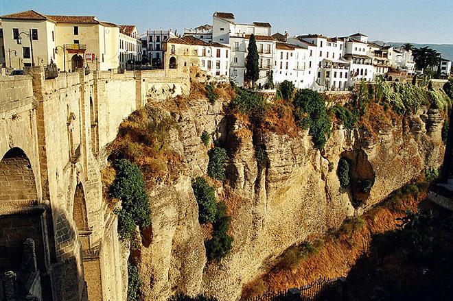 На краю світу: Топ-5 міст від яких захоплює дух