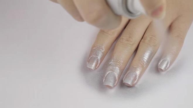 Лак для ногтей спрей