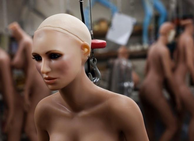 """В Америці створили """"фригідного"""" секс-робота для симуляції зґвалтування"""