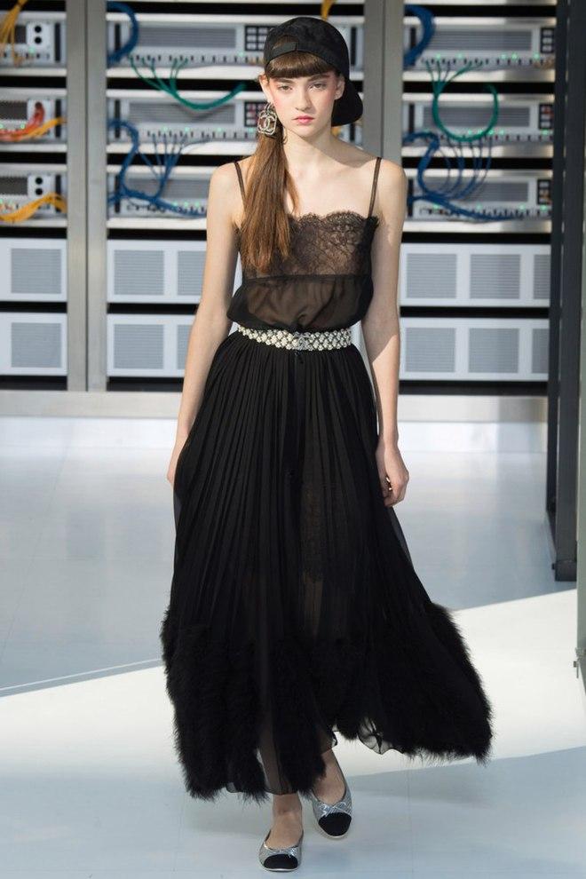 Українка Юлія Ратнер на подіумі паризького Тижня моди: Chanel