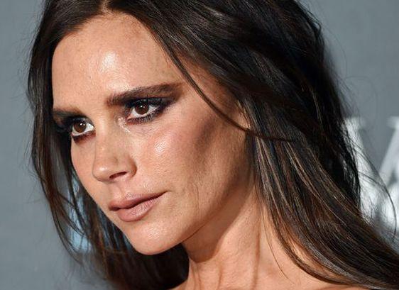 Неудачный макияж Виктории Бекхэм