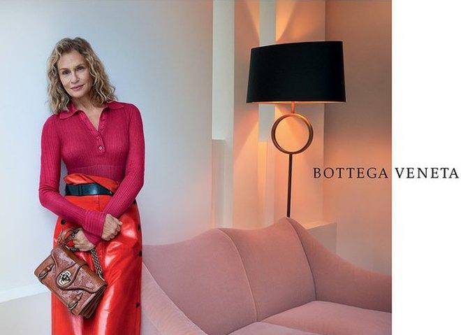 73-летняя модель снялась для Bottega Veneta