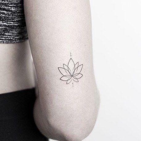 Черно-белые татуировки для девушек