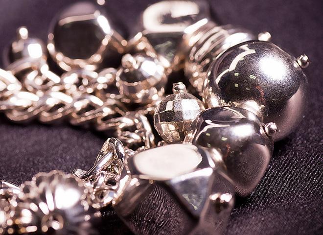 Узнай, почему чернеет серебро?